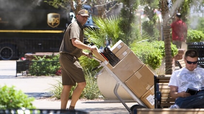 Save with UPS Hundredweight Service®