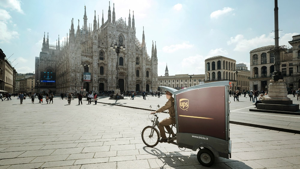 Parcel Delivery to Italy