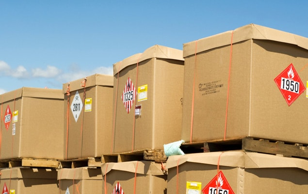 Dangerous goods shipments on stacked pallets